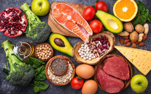 No mês da alimentação, lembre-se que ser saudável é comer bem.